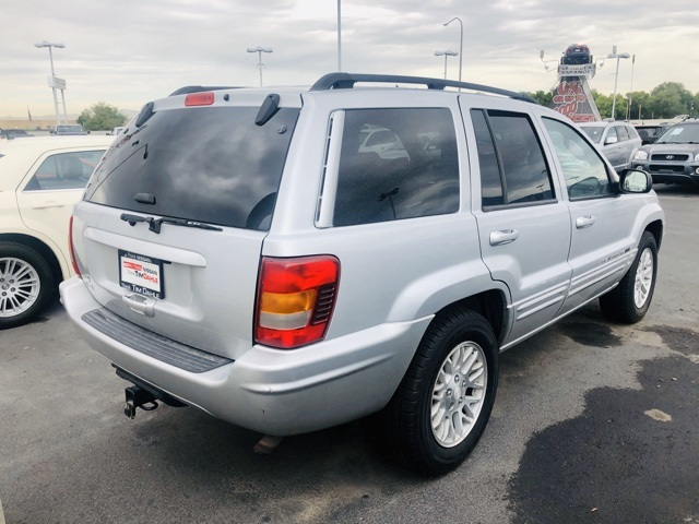 Pre-Owned 2004 Jeep Grand Cherokee Limited